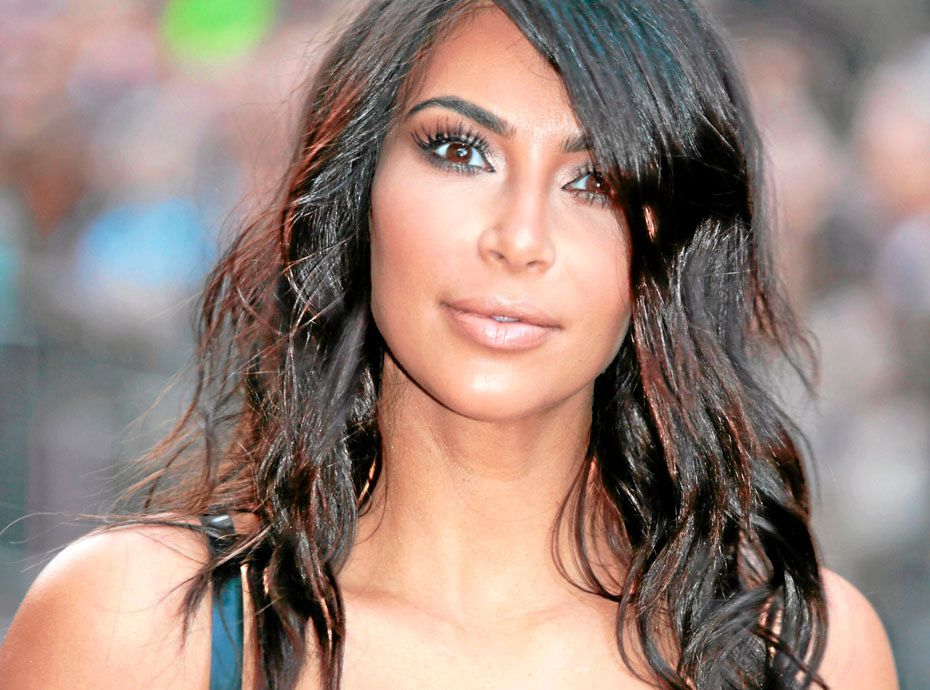 photos mission contouring comment affiner un visage rond. Black Bedroom Furniture Sets. Home Design Ideas