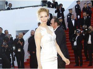 Photos : Cannes 2014 : Uma Thurman : un ange sur la dernière montée des marches du festival !