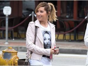 Ashley Tisdale : erreurs de style avec son look d'adolescente ?