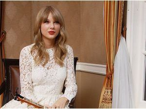Mode : Taylor Swift vs Kate Middleton : match de robes en dentelle !