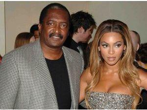 Beyoncé : son père vend ses vieilles affaires lors d'un vide-grenier !