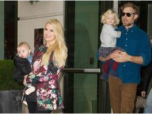 Jessica Simpson et Eric Johnson : leur mariage ne se fera finalement pas en Italie, mais à Los Angeles... Question de budget ?