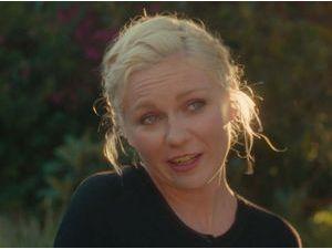 Kirsten Dunst : découvrez sa campagne anti-selfie !