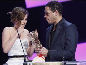 Photos : César 2015 : Kristen Stewart : elle connaît maintenant l'imprévisible JoeyStarr !