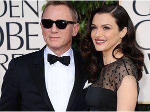 Photos : Golden Globes 2013 : Daniel Craig et Rachel Weisz : chic et glamour, ils échangent un baiser passionné sur le tapis rouge !