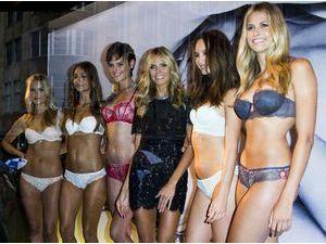 Photos : Heidi Klum : entourée de beautés dénudées à Sydney !
