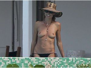 Photos : Heidi Klum : TOP(less) ses vacances de rêve à Saint-Barth' !