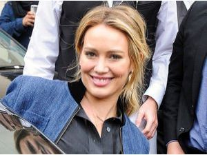 Photos : Hilary Duff : son secret de beauté ? Toujours garder le smile !