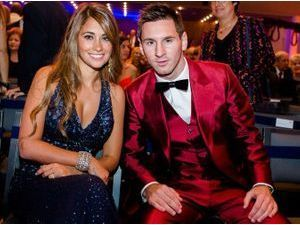 Photos : Lionel Messi : carton rouge son costume à la cérémonie du Ballon d'Or 2013 !