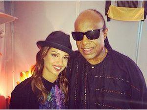 Tal : émue aux larmes lors de sa toute première rencontre avec Stevie Wonder !